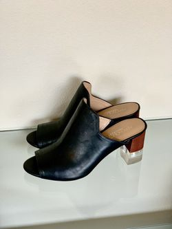 Aerosoles Heelrest shoes Leather size:9 for Sale in Everett,  WA