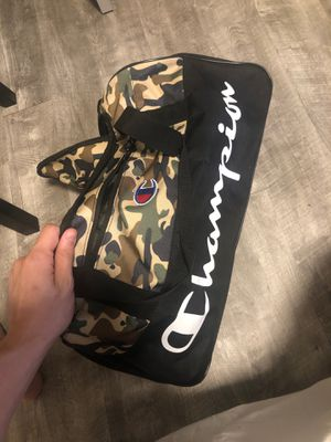Champion Duffle Bag (Camo) for Sale in Hartford, CT