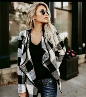 New Womens Small / Medium Plaid Boutique long sleeve Cardigan for Sale in Largo, FL