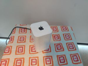 Apple AirPort Extreme 802.11ac WiFi Base Station Router (6th gen, A1521) for Sale in Bell Gardens, CA