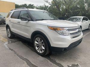 Ford Explorer 2015 XLT for Sale in Hialeah, FL