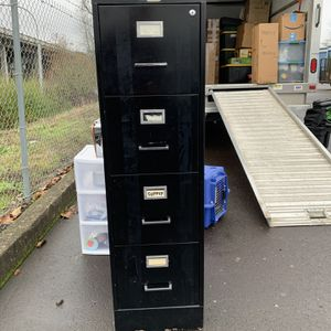 5 Drawer Filing Cabinet for Sale in Beaverton, OR