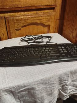 Computer Keyboard Usb Type for Sale in Fresno,  CA