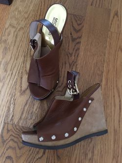 Women's brown shoes for Sale in Franklin,  TN