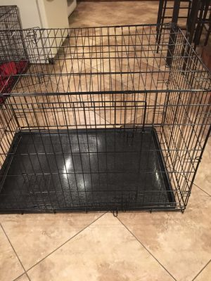 Dog kennel xxl dobles door like new for Sale in Mesa, AZ