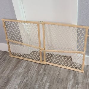 Gate / Fence For Pet-Baby's - Wooden Pressure Mount for Sale in Miami, FL