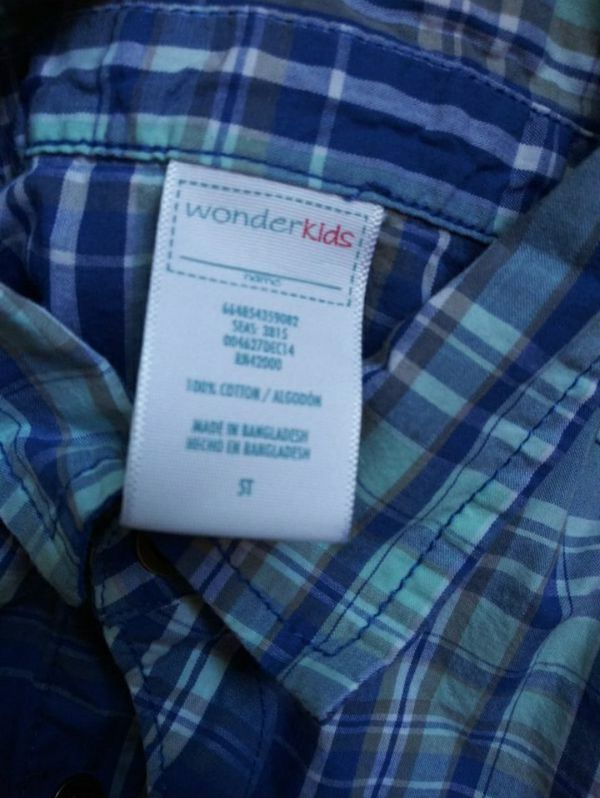 Boys shirt size 5 Like New