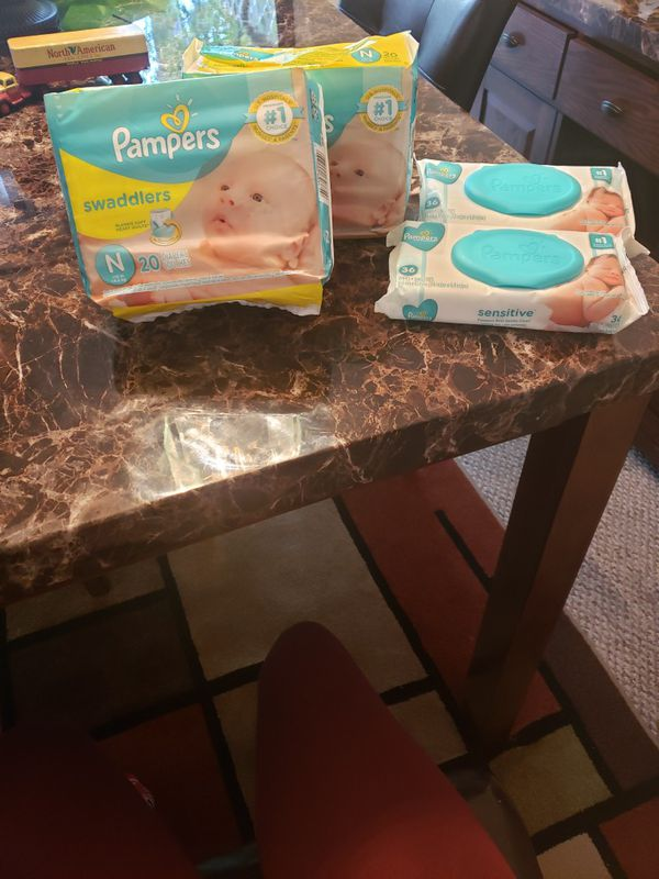 Newborn Pampers 20ct. Wipes 36 count