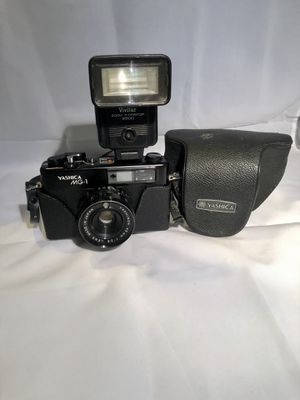 YASHICA MG-1 Camera, very good working, Rangefinder 45mm 1:2.8 Lens, Camera Film for Sale in Long Beach, CA