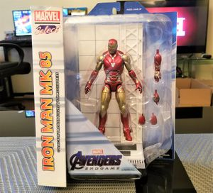 Marvel Avengers: Endgame Diamond Select IRON MAN w Diorama for Sale in Los Angeles, CA