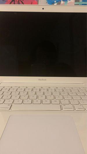 MacBook 2009 for Sale in Roanoke, VA