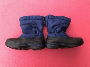 Kids Snow Boots Shoes size 10 for Sale in Richmond, TX