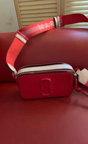 Authentic Marc Jacobs cross body purse for Sale in Washington, DC