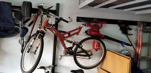 Giant warp mountain bike for Sale in Boca Raton, FL