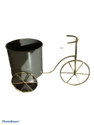 Tabletop Metal Tricycle Planter for Sale in Lindenhurst, NY