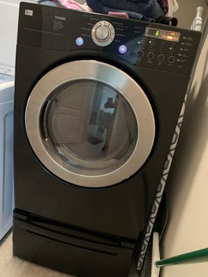 LG Gas Dryer and Pedestal for Sale in Lithia, FL