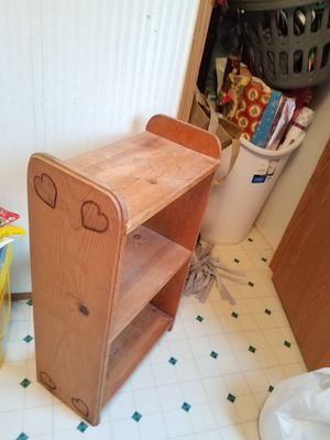 small book shelf for 5 for Sale in New Hampton, IA