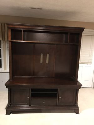 Excellent TV stand (Moving Sale) for Sale in Fairfax, VA