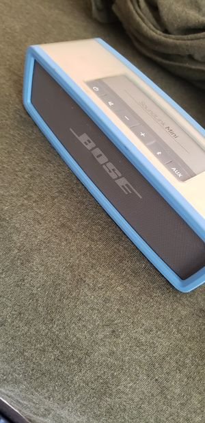 Bose soundlink mini for Sale in Philadelphia, PA