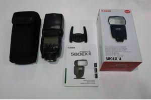Canon Speedlite 580EX II Flash for Canon EOS Digital SLR Cameras for Sale in Madisonville, LA
