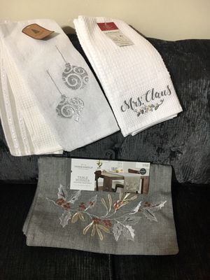 New/ table runner & 2 set of kitchen towels for Sale in Crownsville, MD
