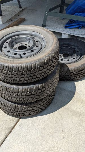 Studded snow tires 195/65R14 for Sale in Des Moines, WA