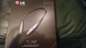LG Premium Bluetooth stereo headset with retractable wire for Sale in Miami, FL