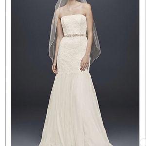 Galina Wedding Dress Size 14 for Sale in Pasadena, CA
