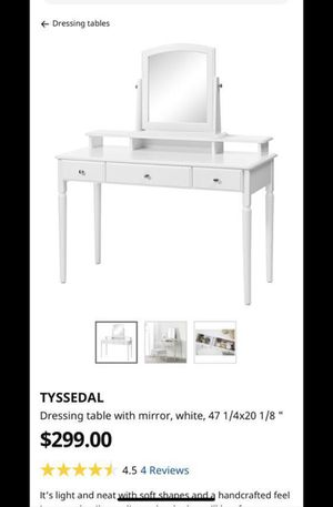table with mirror for Sale in Dallas, TX
