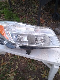 Passenger side headlight for 2012 Buick Regal for Sale in San Antonio,  TX