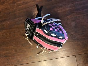 Toddlers baseball glove for Sale in Fresno, CA