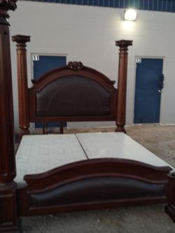 King Size Bed for Sale in San Angelo,  TX
