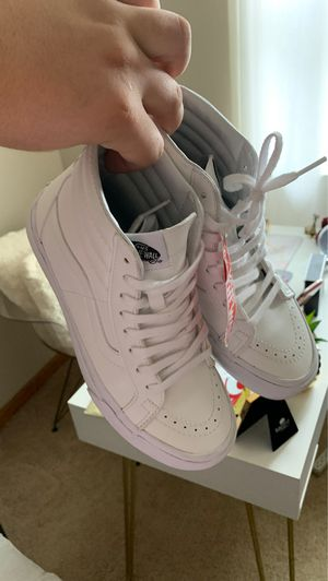 Leather White Vans 5.5 for Sale in New Britain, CT