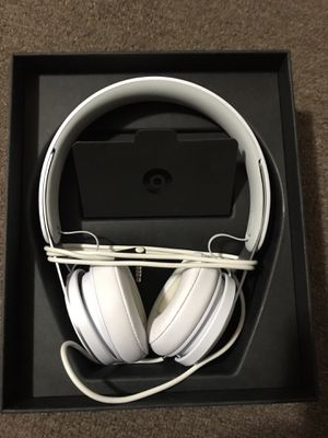 "Beats Ep Headphones ""White"" for Sale in Washington, DC"