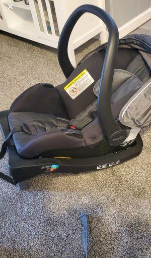Car seat for Sale in Walnutport, PA