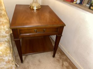 End tables with lamps for Sale in St. Louis, MO