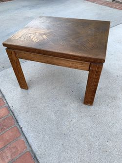 Heavy Sturdy Solid Oak End Table for Sale in Long Beach,  CA
