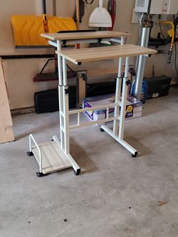 Mobile Stand Up Desk - Barely Used for Sale in Everett,  WA