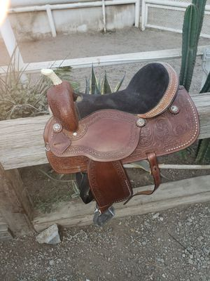 Montura /western saddle for Sale in Whittier, CA