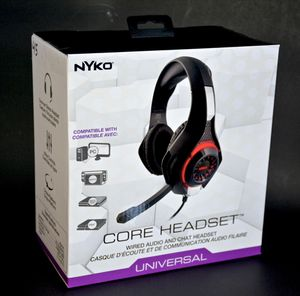 HEADPHONES Universal For PS4 ,XBOX ONE ,NINTENDO SWITCH AND MOVIL for Sale in Los Angeles, CA