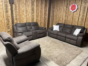 RECLINING COUCH SET (free delivery) for Sale in Milwaukie, OR