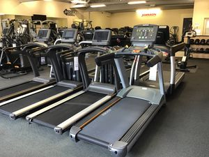 Matrix treadmill annual floor model Sale for Sale in Beverly Hills, CA