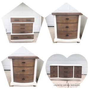 Four piece bedroom set: 2 dressers 2 nightstands for Sale in Lemont, IL