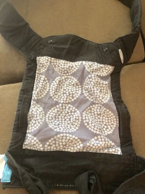 Infantino baby carrier for Sale in Palm Beach Gardens, FL