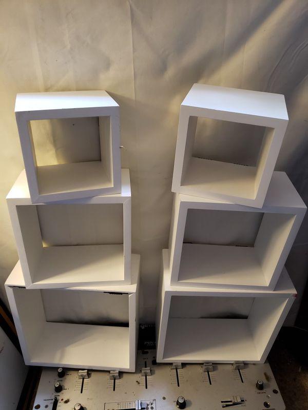 6 square hanging shelfs