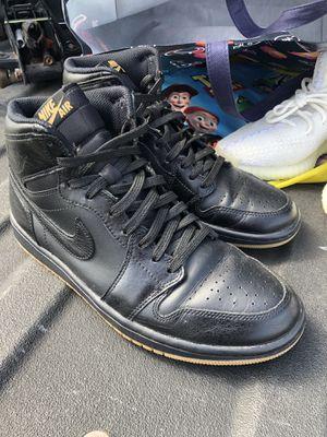 Jordans 1 black gum bottom retro for Sale in New Caney, TX