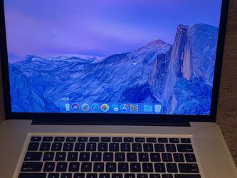 MacBook Pro 17 Inch 2011 (Read Description ) for Sale in Gilbert,  AZ