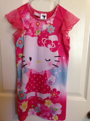 Hello Kitty size 6/6x Nightgown very good condition for Sale in Navarre, FL