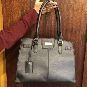 BCBG Leather Purse / Shoulder Bag for Sale in Los Angeles, CA