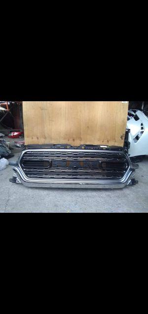 2019 up.DODGE RAM 1500 OEM front grille black for Sale in Wilmington, CA